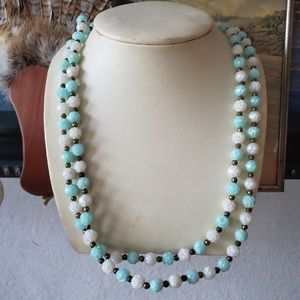 Vintage White and Blue Rose Shaped Beads Necklace